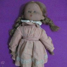 Moderne spanische Puppen - MUÑECA ANTIGUA CARA DE PLASTICO Y CUERPO CON RELLENO TIPO CORCHO, MIDE APROX. 49 CM - 52393477