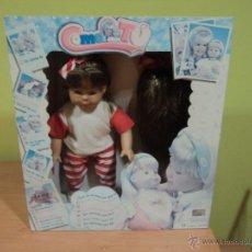 Bonecas Espanholas Modernas: BONITA MUÑECA DE FAMOSA COMO TÚ CON PELUCA. AÑO 95. Lote 54002924
