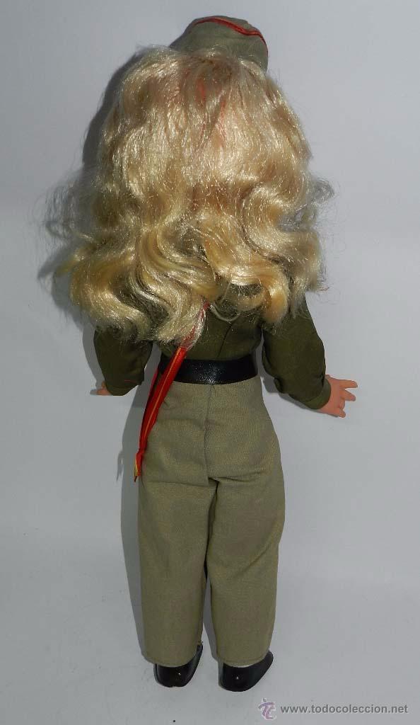 Muñecas Españolas Modernas: Típica muñeca de recuerdo del servicio militar, esta es del CIR nº 1. Misma altura que una Nancy uno - Foto 4 - 83265476