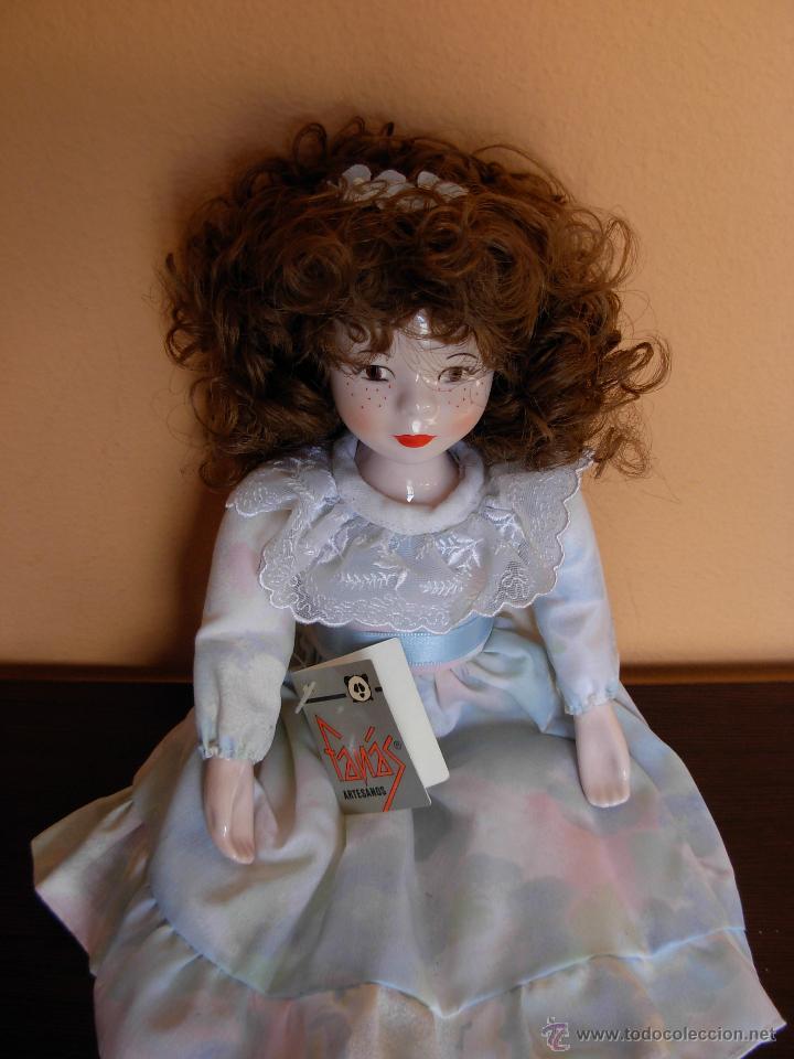 Muñecas Españolas Modernas: Muñeca de porcelana fina marca Fanás. Conserva la caja original. Años 80 - Foto 2 - 54640137