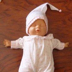 Muñecas Españolas Modernas: MUÑECO MINI BABY LUZ (BABYLUZ) - BERJUSA - AÑOS 80 - FUNCIONA LA LUZ.. Lote 58334725