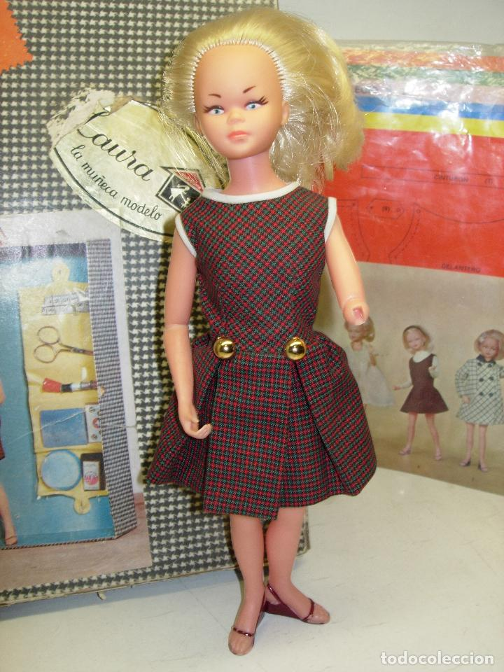 Muñecas Españolas Modernas: Muñeca LAURA MANIQUI BOUTIQUE de Novo-Gama Novogama años 60 con caja y patrones - Foto 2 - 195337032