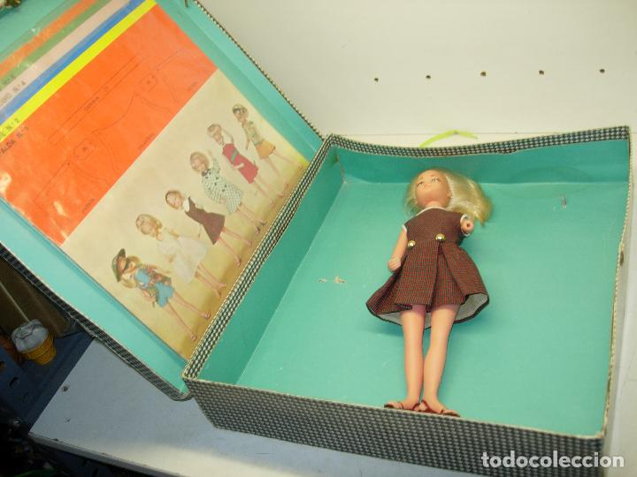 Muñecas Españolas Modernas: Muñeca LAURA MANIQUI BOUTIQUE de Novo-Gama Novogama años 60 con caja y patrones - Foto 4 - 195337032