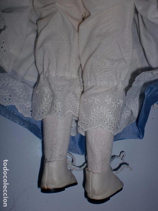 Muñecas Españolas Modernas: ANTIGUA MUÑECA. CUERPO DE TRAPO. CABEZA, MANOS Y PIES DE PORCELANA. 40 CM DE ALTO. - Foto 3 - 70510565