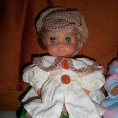 Muñecas Españolas Modernas: MUÑECO JESMARIN EN MUY BUEN ESTADO + CONJUNTO JUANIN NUEVO DE MARIQUITA PEREZ. Lote 71412527