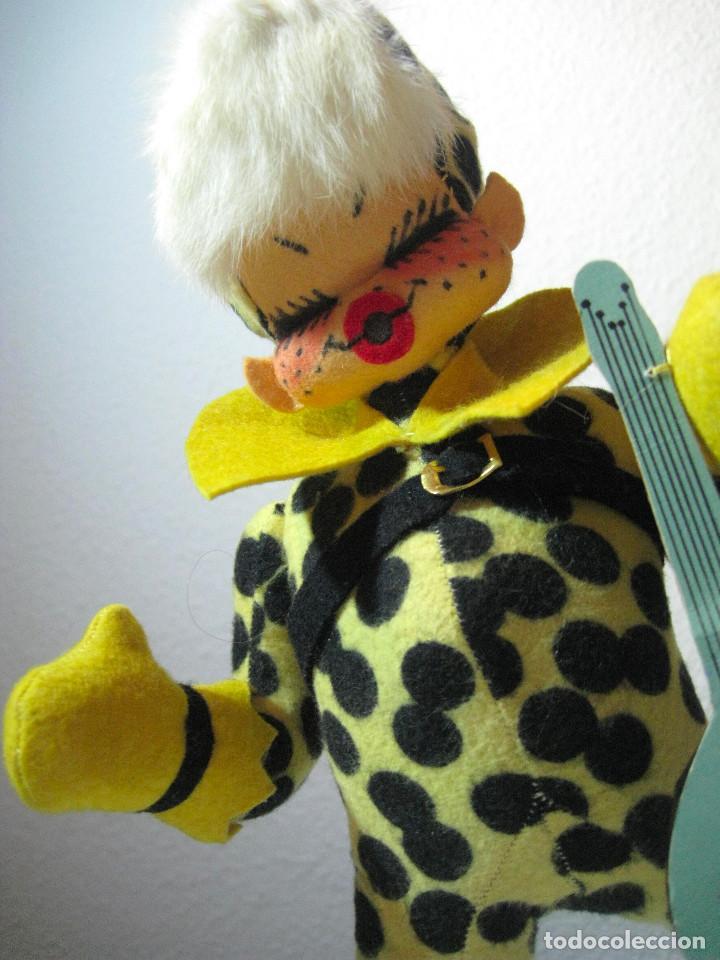 MUÑECA PUNK FIELTRO FELPA AÑOS 70 (Juguetes - Otras Muñecas Españolas Modernas)
