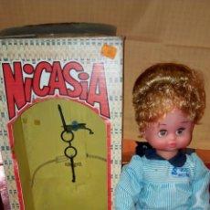 Muñecas Españolas Modernas: NICASIA PROFESORA. MUÑECA DE ESVI. MUÑECAS VIVIENTES.. Lote 75782267