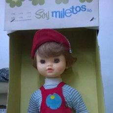 Muñecas Españolas Modernas: MUÑECO SOY MILETOS - BB 1970 ( NUEVO CON SU CAJA ORIGINAL ). Lote 75909859