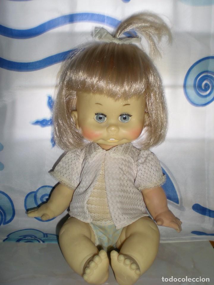 Muñecas Españolas Modernas: graciosa muñeca de goma años 70 iris margarita marca b.b.melina o lice? 37 cm completa de origen - Foto 3 - 83717400