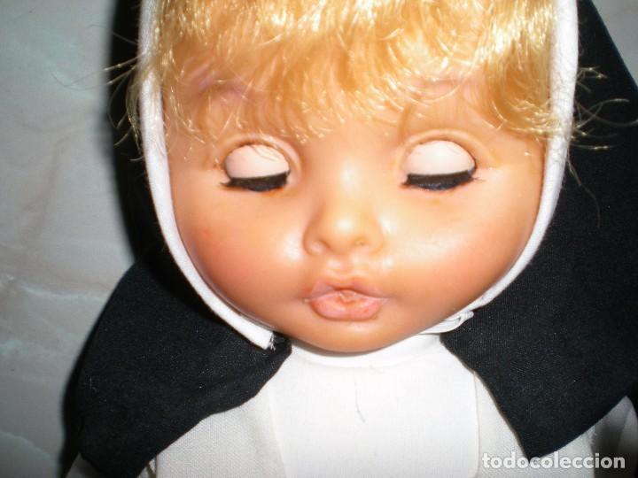 Muñecas Españolas Modernas: muñeca años 50/60 habito monja 47 cm posiblemente cristina novo gama serie delta? brazos con gomas - Foto 10 - 86170028