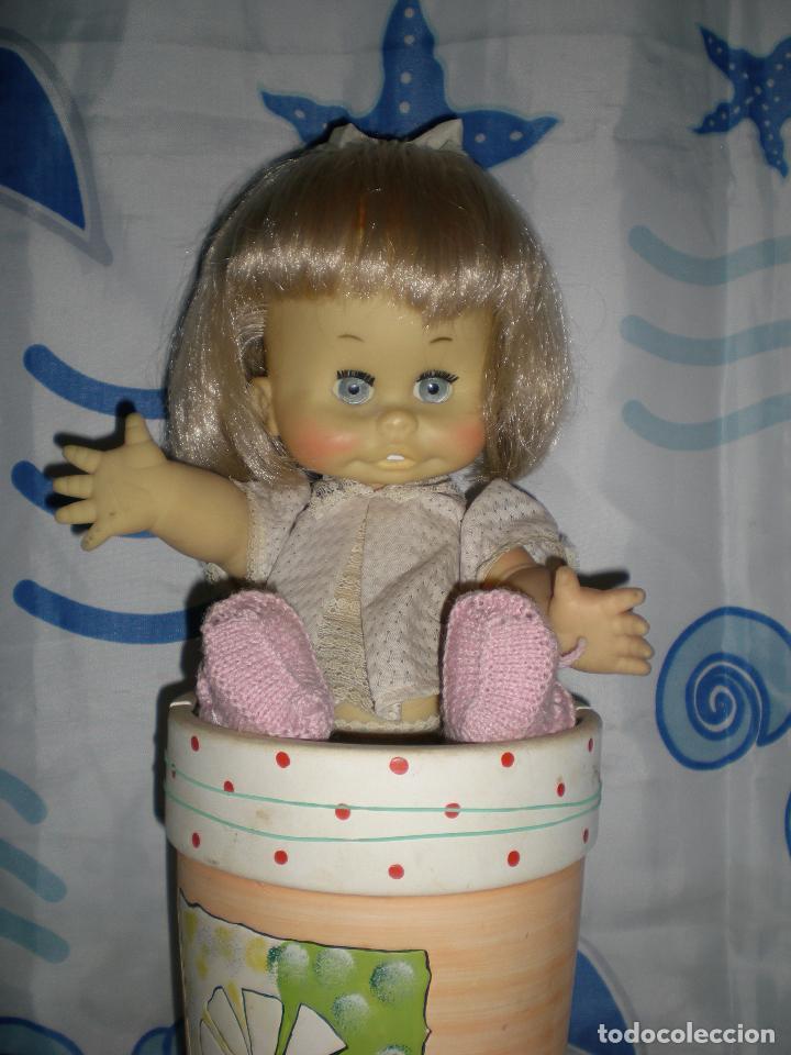 Muñecas Españolas Modernas: graciosa muñeca de goma años 70 iris margarita marca b.b.melina o lice? 37 cm completa de origen - Foto 18 - 83717400