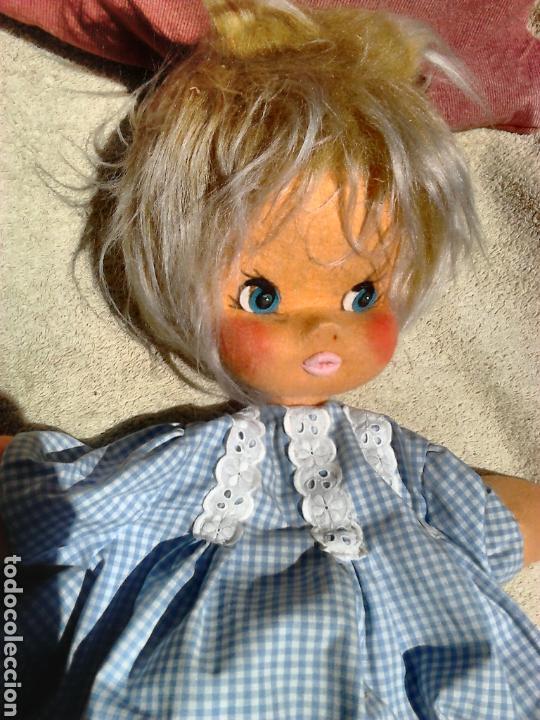 Muñecas Españolas Modernas: Preciosa muñeca, de fieltro,guarda pijama,años 70-80 - Foto 3 - 86997295