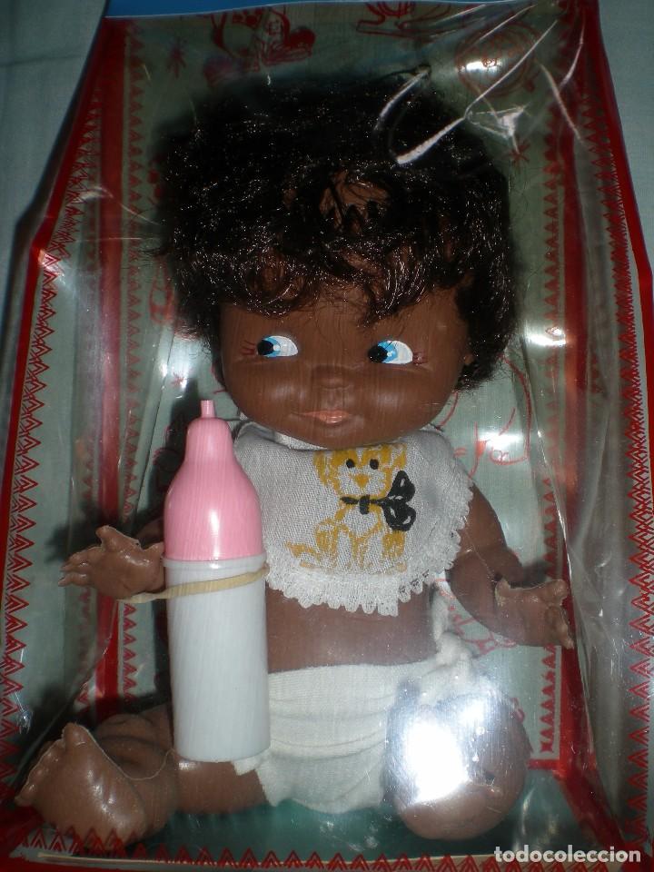 Muñecas Españolas Modernas: muñeco negro+ biberon y babero silquillin o silquillina de silqui jose quilis spain años 70 nuevo - Foto 2 - 103143096