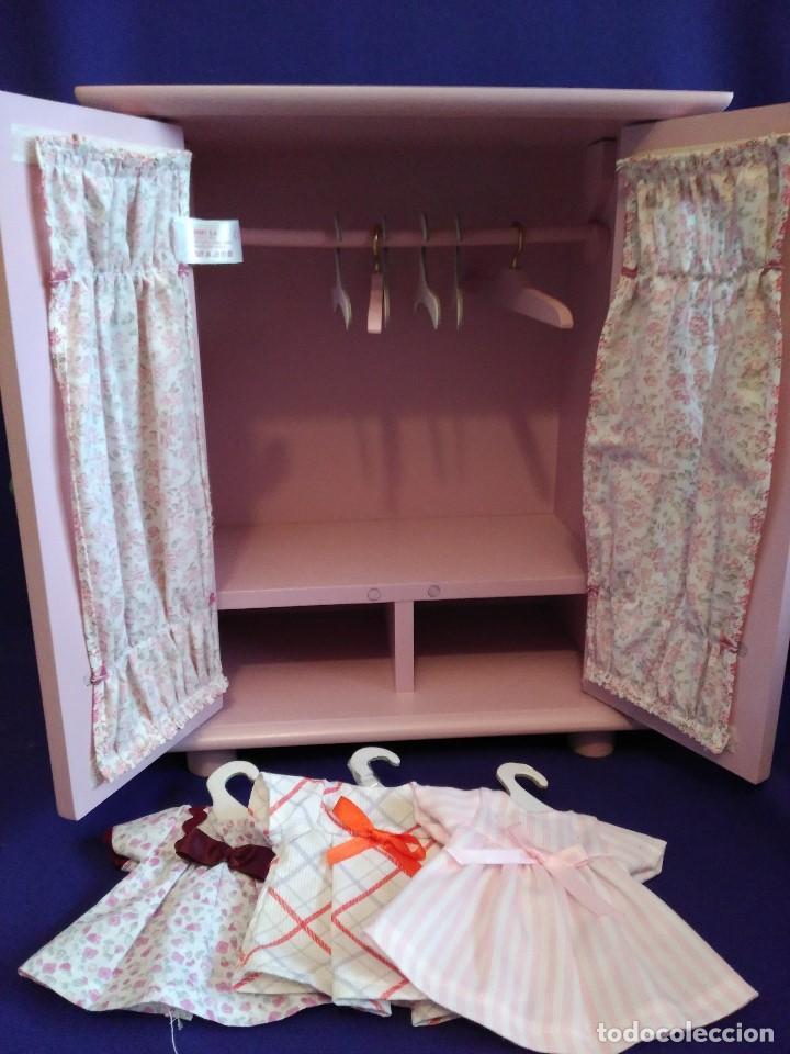 Muñecas Españolas Modernas: Armario madera lacada LA NINA,con Bomboncito y lote de ropa. - Foto 6 - 88845424