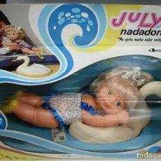 Muñecas Españolas Modernas: JESMAR: JULY NADADORA. ¡NUEVA! PRECINTADA ORIGINAL EN PERFECTO ESTADO.. Lote 263601020