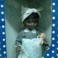 Muñecas Españolas Modernas: MUÑECAS DE ALBA: LINDA PIRULA. AMA DE CRIA DE COLOR. ¡NUEVA! A ESTRENAR, CAJA ORIGINAL. AÑOS 70.. Lote 97252691