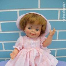 Muñecas Españolas Modernas: MUÑECA AMERICANA GIGGLES BABY DE IDEAL TOY AÑOS 60. Lote 99739511