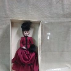 Muñecas Españolas Modernas: MUÑECA DE ÉPOCA DE PORCELANA COLECCION SALVAT . Lote 103430559