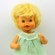 Moderne spanische Puppen - ANTIGUA MUÑECA POMPITA DE FLORIDO - AÑOS 60 - TODA DE ORIGEN - MADE IN SPAIN - 105181051