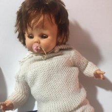 Muñecas Españolas Modernas: MUÑECA CHUPETIN DE VICMA AÑOS 70 CON SU CATALOGO. Lote 110464923