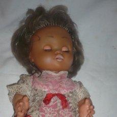 Muñecas Españolas Modernas: MUÑECA AÑOS 60/70 (MARCA DESCONOCIDA). Lote 111918611