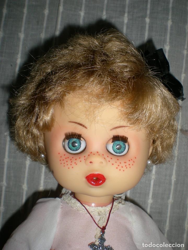 Muñecas Españolas Modernas: graciosa y rara muñeca sin marca 34 cm made in spain años 70 - Foto 5 - 115043939