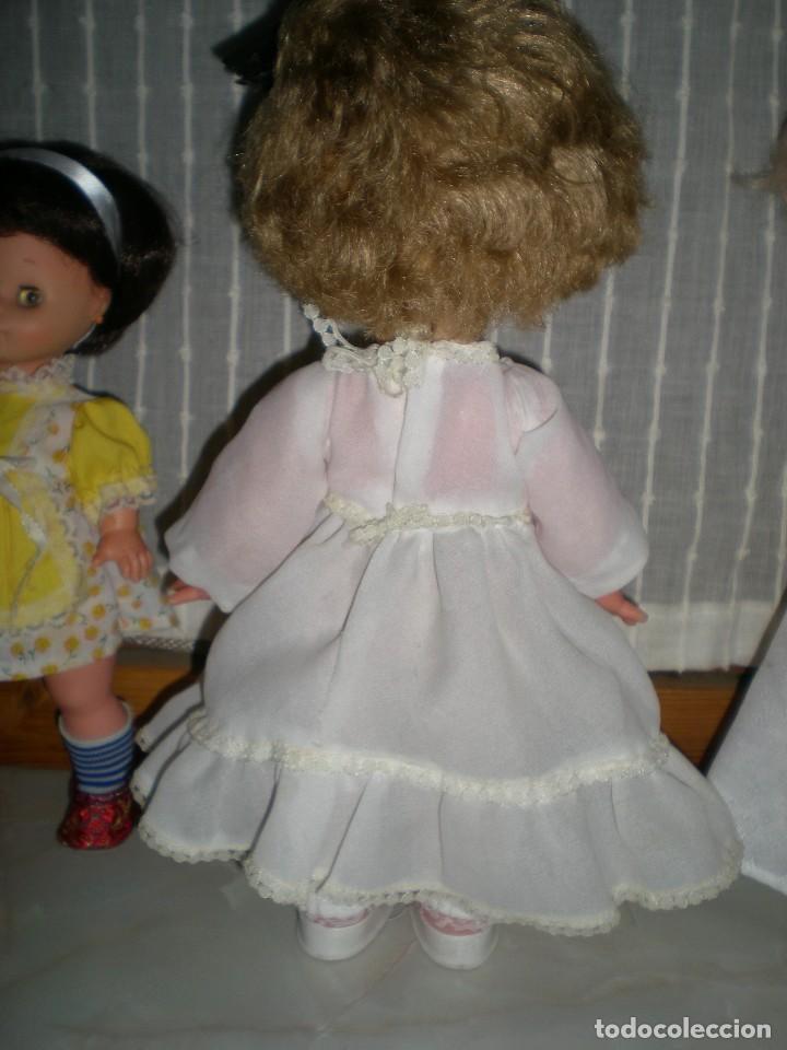 Muñecas Españolas Modernas: graciosa y rara muñeca sin marca 34 cm made in spain años 70 - Foto 9 - 115043939