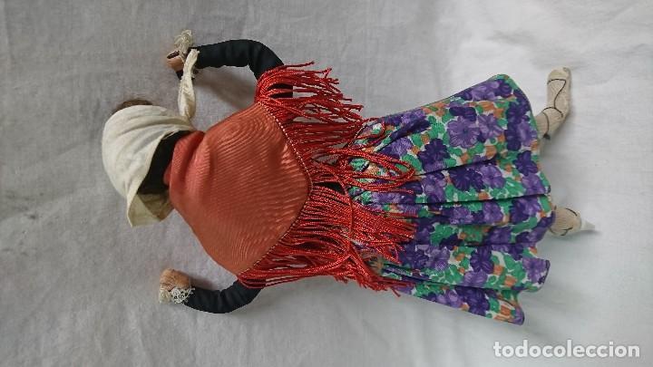 Muñecas Españolas Modernas: ANTIGUA MUÑECA REGIONAL DE TELA PINTADA - Foto 5 - 119253703