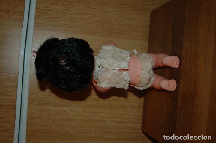 Muñecas Españolas Modernas: MUÑECA REZANDO TIPO VAMOS A LA CAMA. POSIBLE FAMILIA TELERIN AÑOS 60 VER FOTOS - Foto 5 - 119925083