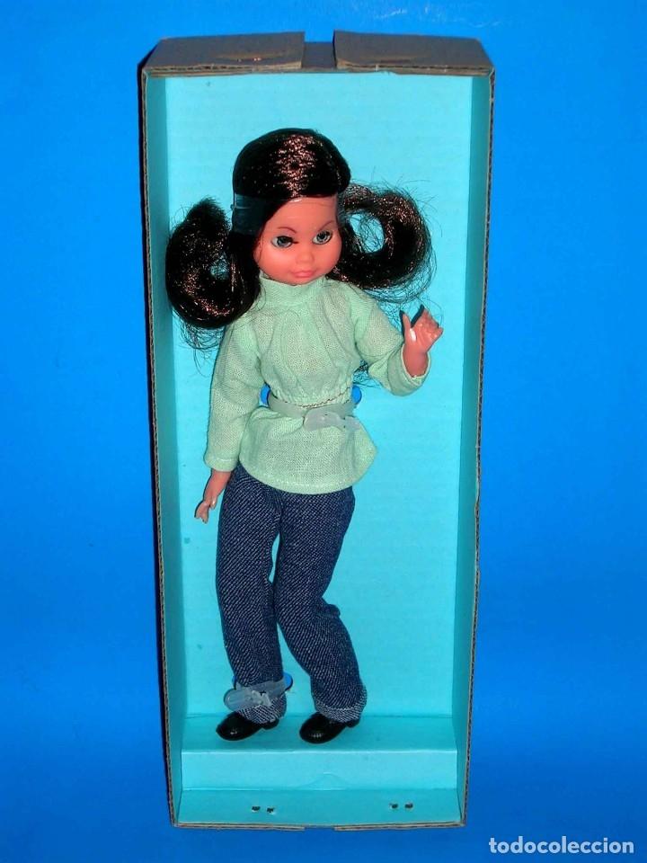 Muñecas Españolas Modernas: Muñeca Carina fabricada por la casa Vicma, original año 1976. A estrenar con su caja. - Foto 4 - 122726858
