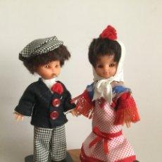 Muñecas Españolas Modernas: PAREJA DE MUÑECOS VINTAGE CHULAPOS MADRILEÑOS AÑOS 60. Lote 125226415