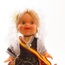 Muñecas Españolas Modernas: MUÑECA LARA ARTESANA DE 32 CM CON VESTIDO ALICANTINA FOLK ARTESANÍA.. Lote 134399490