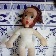 Muñecas Españolas Modernas: ANTIGUA MUÑECA DE TRAPO Y CARA DE CARTON. Lote 135717114