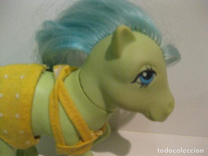 Muñecas Españolas Modernas: mi pequeño pony my little pony hasbro 1984 pat pend . chupa chups con vestido trave ropa - Foto 2 - 136311386