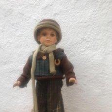 Muñecas Españolas Modernas: MUÑECO DE PORCELANA O LOZA DE COLECCIÓN. VER FOTOS ANEXAS. . Lote 137727502