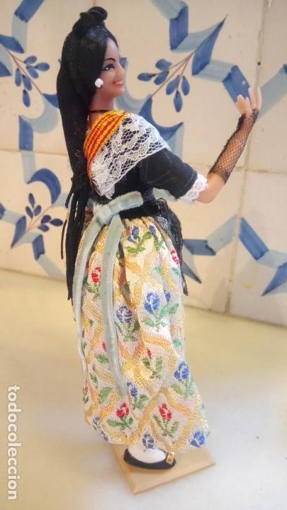 Muñecas Españolas Modernas: Antigua muñeca con vestido tradicional de Catalunya / Cataluña / Caramelles - Foto 4 - 142783754