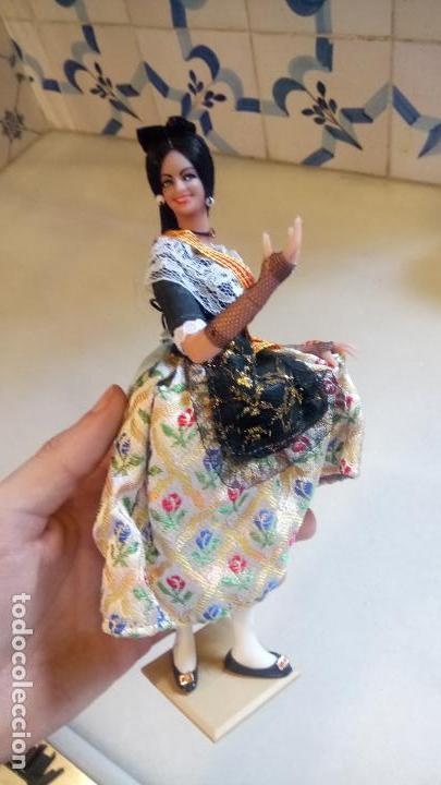 Muñecas Españolas Modernas: Antigua muñeca con vestido tradicional de Catalunya / Cataluña / Caramelles - Foto 5 - 142783754