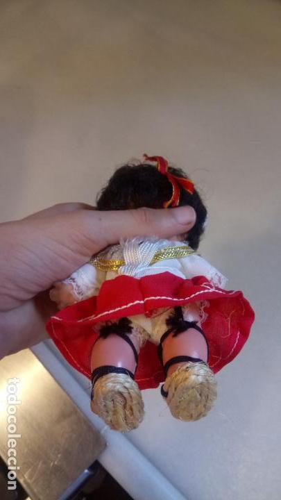 Muñecas Españolas Modernas: Antigua muñeca española con vestido tradicional - Foto 4 - 142784226