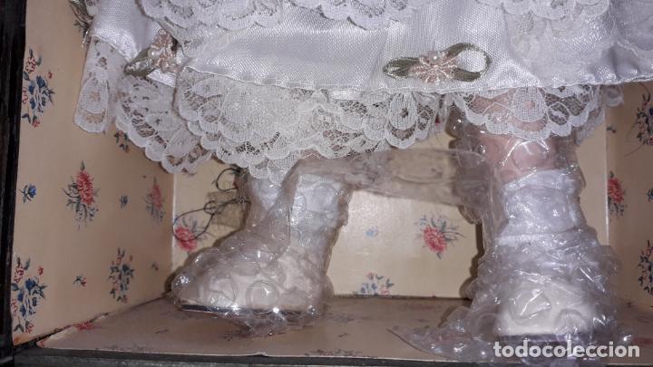 Muñecas Españolas Modernas: MUñECA DE PORCELANA CON SU BAUL Y SU ROPA, MUÑECA DE PORCELANA, MUñECA ANTIGUA - Foto 15 - 150578122