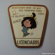 Muñecas Españolas Modernas: CHAPA METÁLICA ESMALTADA LICENCIADO DE LA FAMILIA TELERIN .. Lote 150963922