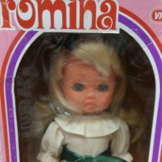 Muñecas Españolas Modernas: ROMINA VICMA MUÑECA ANDADORA. NUEVA EN CAJA. SIN ESTRENAR. AÑOS 70-80. REF 40. RUBIA. PESTAÑEA.. Lote 156771461