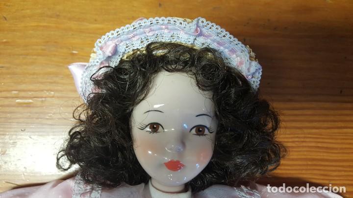 Muñecas Españolas Modernas: Muñeca Fanás. Muñeca artesanal en porcelana fina y pintada a mano. Excelente estado de conservación. - Foto 2 - 158429170