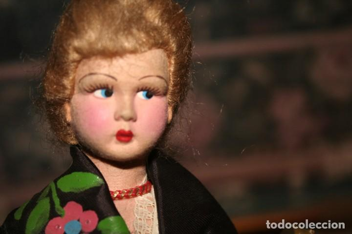Muñecas Españolas Modernas: antigua muñeca fieltro o piel melocoton tipo regional - Foto 3 - 159436558
