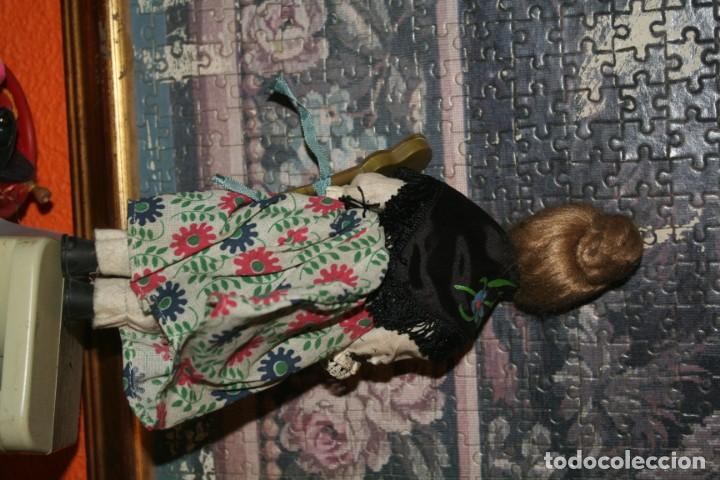 Muñecas Españolas Modernas: antigua muñeca fieltro o piel melocoton tipo regional - Foto 4 - 159436558