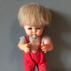 Muñecas Españolas Modernas: ANTIGUA MUÑECA BEBÉ AÑOS 60 - 70. Lote 165372001