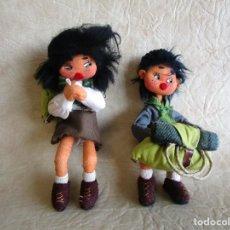 Muñecas Españolas Modernas: PAREJA MUÑECOS TELA Y ALAMBRE PEQUEÑOS HECHOS MANUALMENTE. Lote 167471524