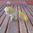 Muñecas Españolas Modernas: PEQUEÑO PONY OJOS DURMIENTES PIGGY LITTLE PONY ORIGINAL AÑOS 80 ESTRELLAS AZULES. Lote 168598756