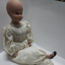 Muñecas Españolas Modernas: PRECIOSA MUÑECA DE PORCELANA DE LA FÁBRICA DE MUÑECAS MARÍN.. Lote 170268192