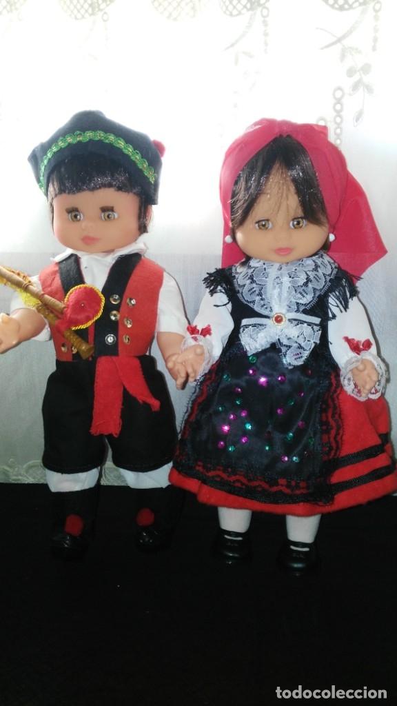 PAREJA DE GALLEGOS (Juguetes - Otras Muñecas Españolas Modernas)