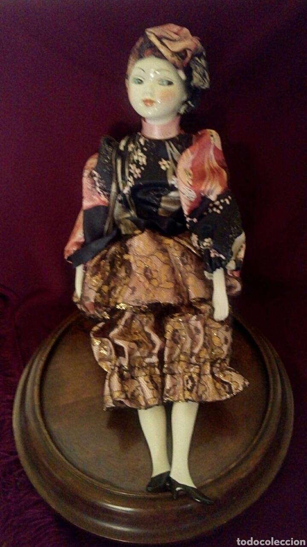 Muñecas Españolas Modernas: Muñeca de porcelana de Ramon Ingles. Mirando de reojo. - Foto 4 - 174184449